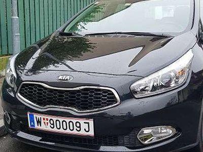 gebraucht Kia cee'd 1,4 CRDI/MT6 Limousine
