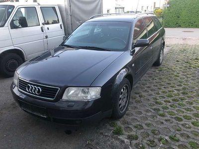 gebraucht Audi A6 2,5 TDI Kombi / Family Van