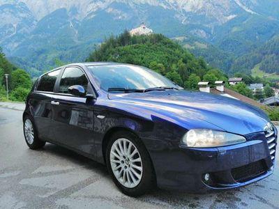 gebraucht Alfa Romeo 147 Alfa 1,9 JTD M-JET 16V Distinctive