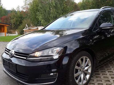 gebraucht VW Golf VII Variant HIghline,Xenon,AHK Kombi / Family Van,