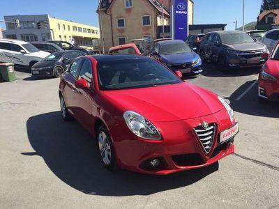 gebraucht Alfa Romeo Giulietta Distinctive 1,6 JTDM-2 + Navi + Panoramadach Limousine