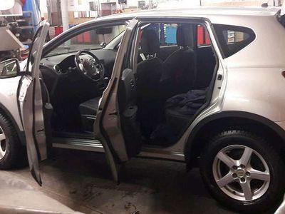 gebraucht Nissan Qashqai 2.0 dci SUV / Geländewagen,