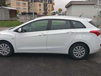 gebraucht Hyundai i30 CW 1,4 CRDi Business Class Kombi / Family Van
