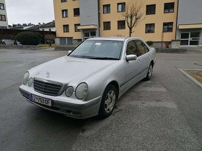 gebraucht Mercedes E200 E-KlasseLimousine
