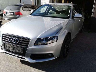 gebraucht Audi A4 2,0 TDI Verschleißteile neu, viele Extras!