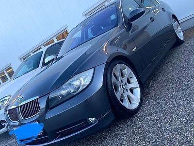 gebraucht BMW 330 3er-ReiheLimousine