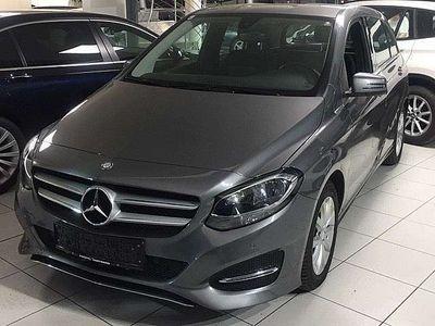 gebraucht Mercedes B180 d Aut. Sports Tourer Garantie bis 2/2021 Bestzust