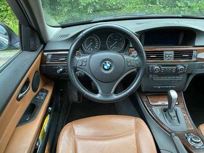 gebraucht BMW 335 3er-Reihe Diesel (E90) Aut.