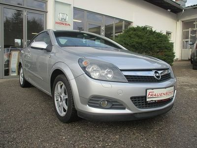 gebraucht Opel Astra Cabriolet Twin Top Edition 1,6 Twinport