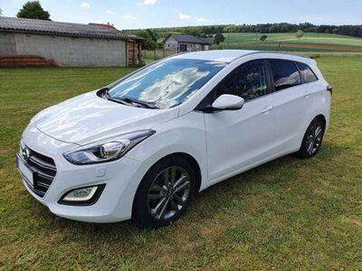 gebraucht Hyundai i30 CW 1,6 CRDi Start/Stopp Premium