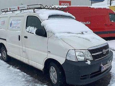 gebraucht Toyota HiAce 2,5 D-4D 120 *NewMod*80TKM*2xSchiebetür*Euro4*1.H