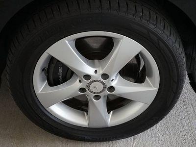 gebraucht Mercedes V220 V-Klassed 4MATIC Extralang Aut. / LED Scheinwerfe... Kombi / Family Van,