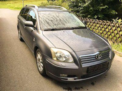 used Toyota Avensis 2,0 D4-D Linea Sol Kombi / Family Van,