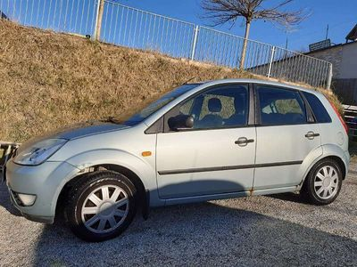gebraucht Ford Fiesta 5T Ghia 1,4 TDCi Klein-/ Kompaktwagen
