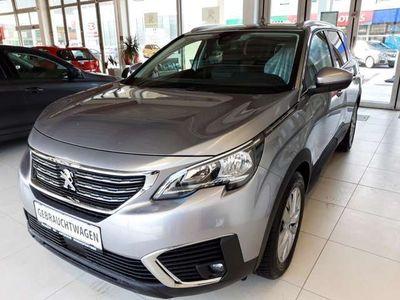 gebraucht Peugeot 5008 ACTIVE 1,5 BlueHDI 130 7sitzig