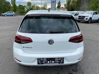 gebraucht VW Golf E