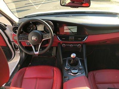 brugt Alfa Romeo Giulia Super 2,2 180 MT RWD