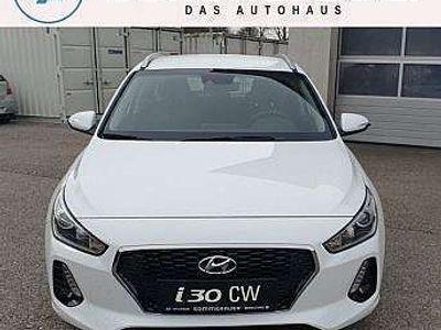 gebraucht Hyundai i30 CW 1,6 CRDi Start/Stopp Comfort Kombi / Family Van,