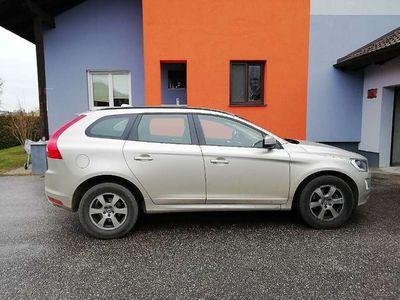 gebraucht Volvo XC60 D4 Kinetic AWD Geartronic SUV / Geländewagen