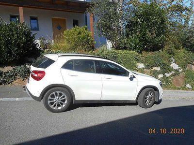 gebraucht Mercedes GLA200 GLA-KlasseCDI 4Matic SUV / Geländewagen
