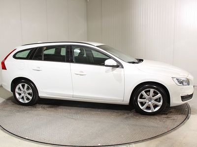gebraucht Volvo V60 T3 Kinetic Geartronic