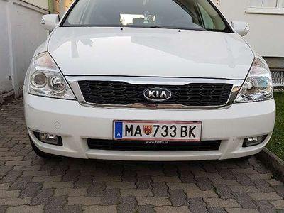 gebraucht Kia Carnival 2,2 Crdi Active DPF 7 Sitzer AHK getö Scheiben Kombi / Family Van,