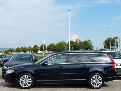 gebraucht Volvo V70 2,4 D Momentum Geartronic Aut. | NAVI | Leder |