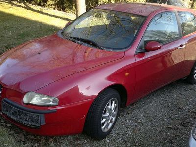 brugt Alfa Romeo 147 1,6 Twin Spark Klein-/ Kompaktwagen,