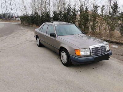 gebraucht Mercedes E300 D Limousine