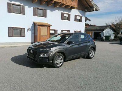 gebraucht Hyundai Kona 120 PS Bennziner Kombi / Family Van