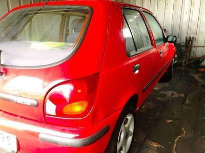 gebraucht Mazda 121 Hatchback 5-Türer Klein-/ Kompaktwagen