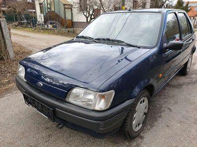gebraucht Ford Fiesta Klein-/ Kompaktwagen