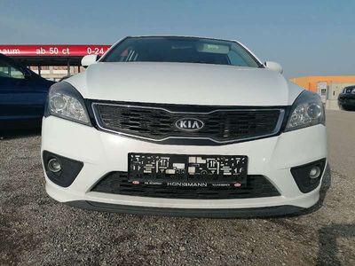 gebraucht Kia cee'd cee'd1,6 CRDi Cool Doppeljackpot DPF ISG Klein-/ Kompaktwagen