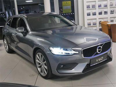 gebraucht Volvo V60 D4 Geartr. Momentum HarmanKardon/Navi/Kamera