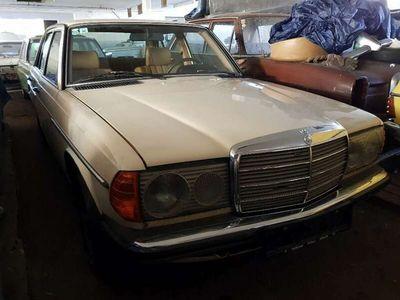 gebraucht Mercedes E250 Automatik W123 Originalzustand wenig KM