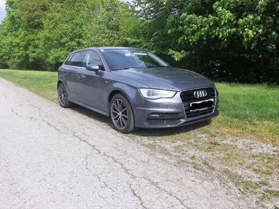 gebraucht Audi A3 Sportback 1,6 TDI Intense Xenon AHK