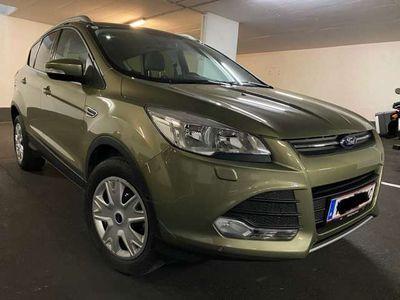 gebraucht Ford Kuga 1,6 Ecoboost nur 20400km Garantiekm Topzustand SUV / Geländewagen