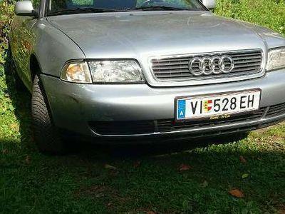 gebraucht Audi A4 1.6 Benzin Limousine
