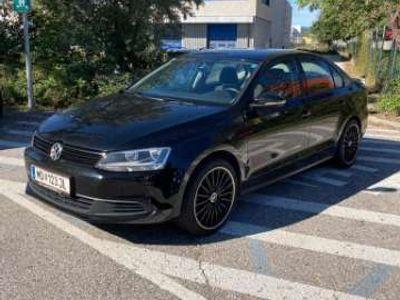 gebraucht VW Jetta Trendline 1,6 TDI BMT DPF DSG Limousine