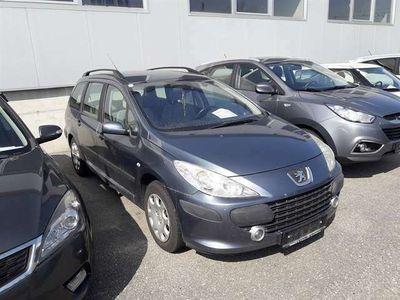 gebraucht Peugeot 307 Break Premium 1,6 HDi 110 (FAP) Kombi / Family Van