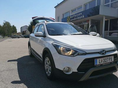 gebraucht Hyundai i20 1.4 100ps active life Limousine