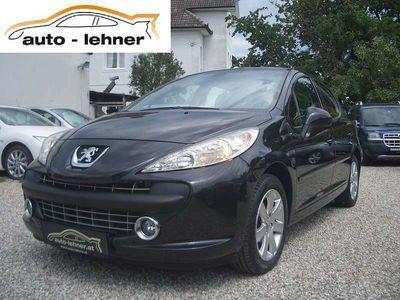 gebraucht Peugeot 207 Active 1,6 16V Klein-/ Kompaktwagen