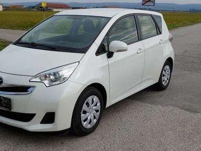 gebraucht Toyota Verso-S Verso-S1,4 D-4D90 Active, 90 PS, 5 Türen, Schaltgetriebe