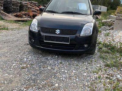 gebraucht Suzuki Swift 1,3 GL DDis 5 DR Klein-/ Kompaktwagen