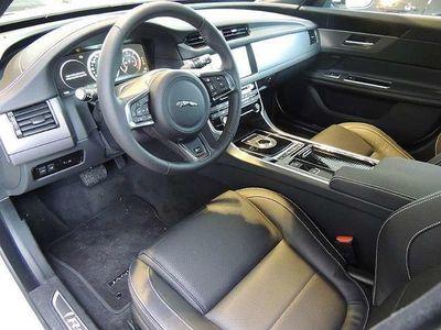 gebraucht Jaguar XF Sportbrake 20d AWD R-Sport Aut. R-Sport