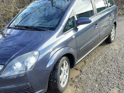 gebraucht Opel Zafira 1,9 CDTI Kombi / Family Van