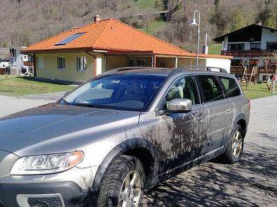 usata Volvo XC70 D5 AWD Momentum Automatik Kombi / Family Van,