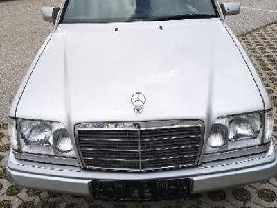 gebraucht Mercedes E300 W124 lezte seine Klasse !!! ein richtiger BENZ!