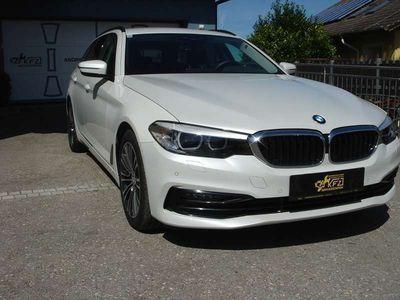 gebraucht BMW 530 5er-Reihe d xDrive Sport Line/Navi/AppleCarplay/usw.... Kombi / Family Van