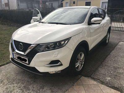 gebraucht Nissan Qashqai 1,2 DIG-T N-connecta SUV / Geländewagen,